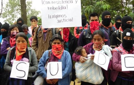 """""""En silencio han sido nuestros pasos, para hacerles saber que no están solos"""", EZLN a Ayotzinpa."""