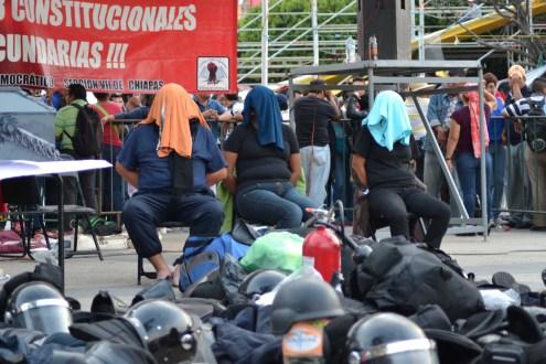 """CNTE evidencia a Peña Nieto y Aurelio Nuño en Chiapas, para la """"evaluación educativa"""" la policía federal si llegó armada"""