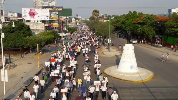 """Chiapas: La """"reforma educativa"""" repudiada por madres y padres de familia."""