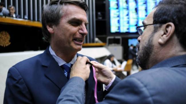 Bolsonaro aprova projeto deputado
