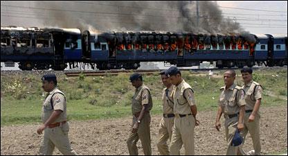 20090601125840bihar_train_fire416