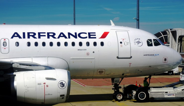 como é voar de air france para paris