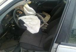 car crash airbags photo 2