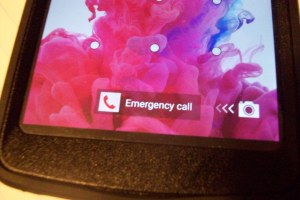 how to set emergency contacts on android
