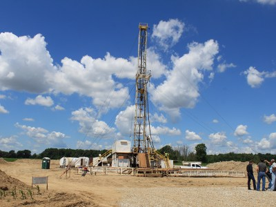 Oil Drilling Rig in Saline Township, Michigan. Photo by Dwight Burdette, via WikiMedia