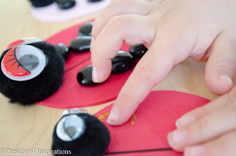 Ladybug Counting Busy Bag by Preschool Inspirations-2 - Copy