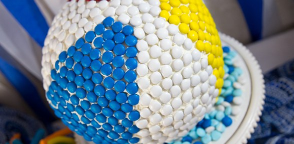 How to Make a Big Beach Ball Cake with m&ms®