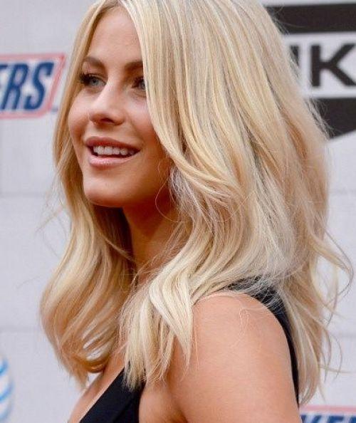 Julianne Hough Gorgeous Medium Wavy Blond Haircut