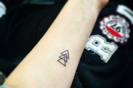 20 simple tattoos for women20