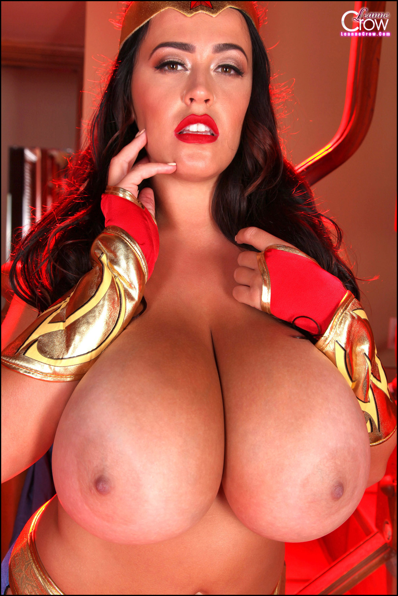 Beauty wonder woman big tits ass