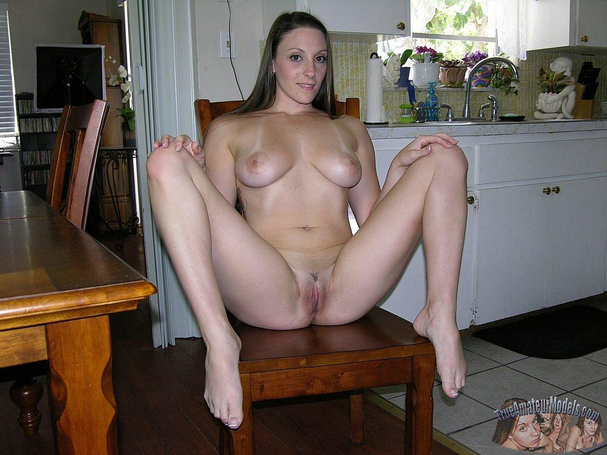 true amateur models lexi nude