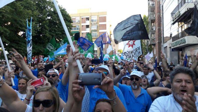 Marcha multisectorial en Morón