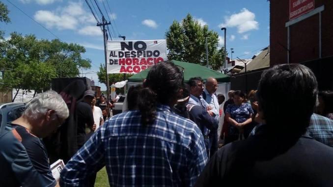 No al despido de Horacio Acosta