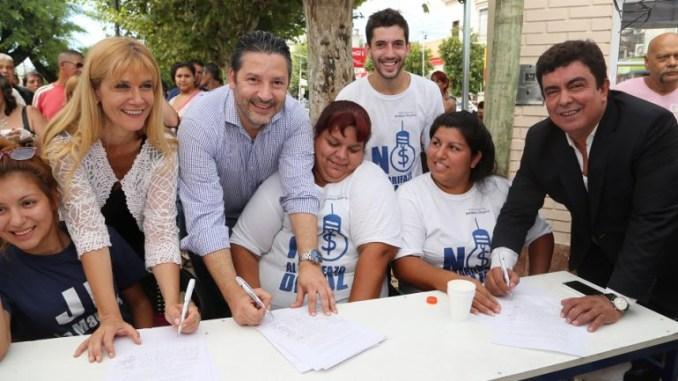 Junta de firmas contra reforma jubilatoria