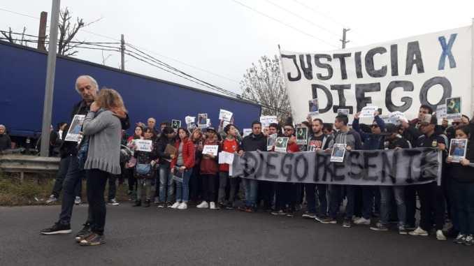 Marcha por Diego Cagliero