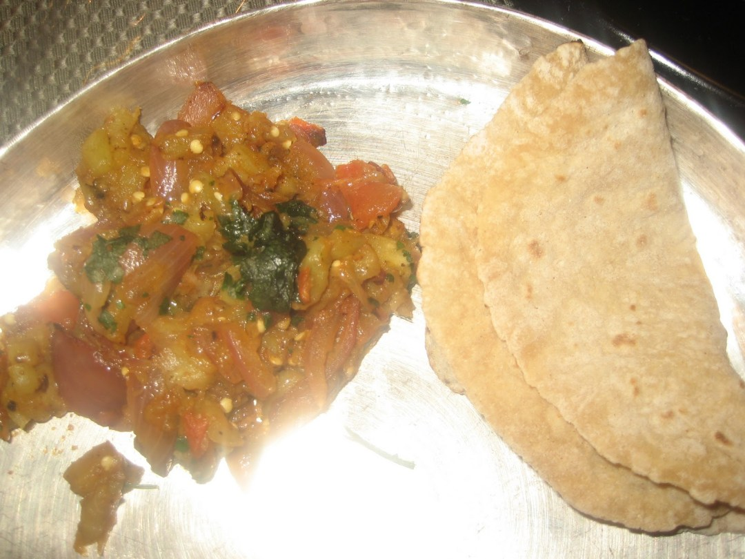 Phulkas or Whole Wheat chappatis (Indian bread/tortillas)