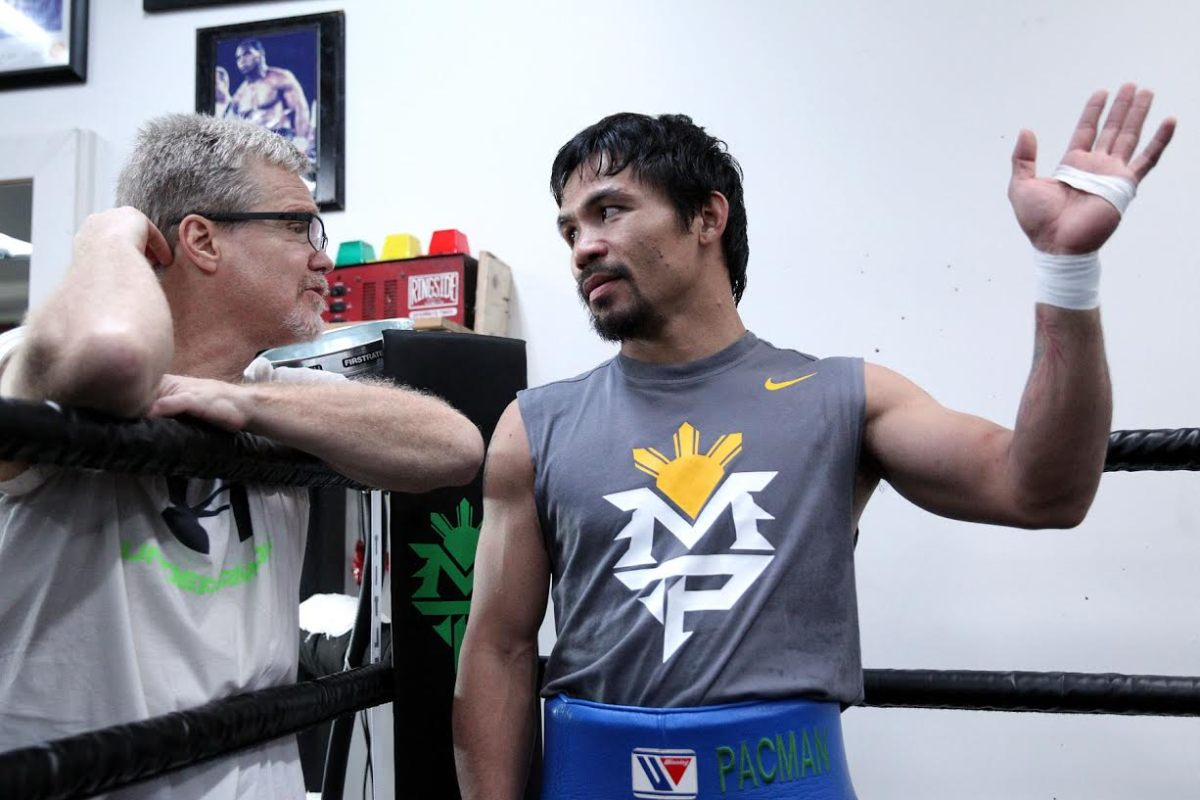 Freddie Roach questions Floyd Mayweather's training methods