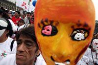 Protesta para exigir mayor presupuesto al tratamiento de los portadores de VIH. Foto: Octavio Gómez
