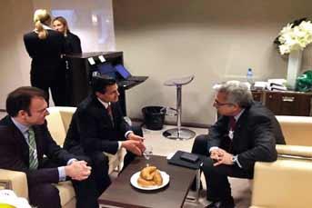El aspirante presidencial del PRI Enrique Peña Nieto y Ernesto Zedillo en el Foro Económico Mundial, en Davos, Suiza. Foto: Luis Videgaray