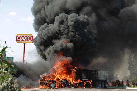Reportan balacera y narcobloqueos en Guadalajara. Foto: AP / Bruno González