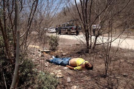 Un taxista asesinado en Sinaloa, el 26 de abril. Foto: Juan Carlos Cruz