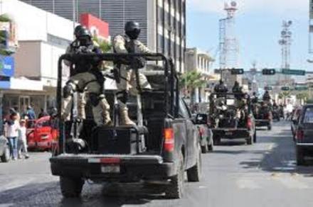 Uniformados y grupos armados se enfrentan en Piedras Negras