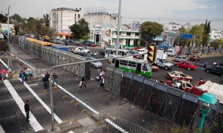 Cercan San Lázaro para toma de posesión de EPN. Foto: AP / Eduardo Verdugo