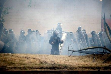 Policías federales durante los disturbios del 1 de diciembre. Foto: Rubén Espinosa