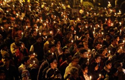 India. Continúan protestas por la violación de una joven en un camión. Foto: AP