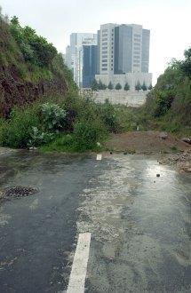 El camino inconcluso en El Encino. Foto: Germán Canseco