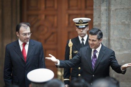 Videgaray y Peña en Palacio Nacional. Foto: Xinhua / Pedro Mera