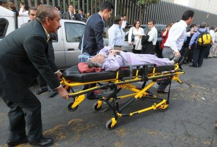 Explosión en la Torre de Pemex; 25 muertos y 101 heridos. Foto: Xinhua