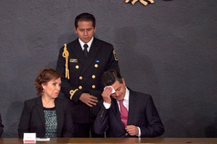 """Robles y Peña. """"Aguanta, no te preocupes"""". Foto: Miguel Dimayuga"""