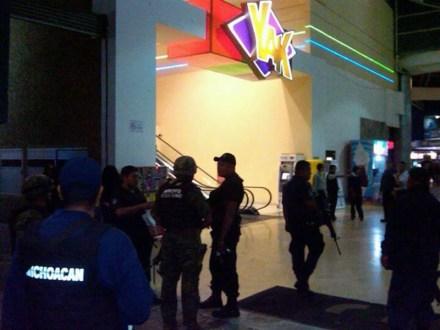 La movilización policiaca después del ataque al casino en Morelia. Foto: Tomada de Twitter