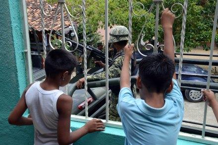 Refuerzan vigilancia militar en Guerrero. Foto: Bernandino Hernández