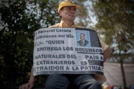 Cárdenas llama a combatir la reforma energética de Peña Nieto. Foto: Xinhua / Alejandro Ayala