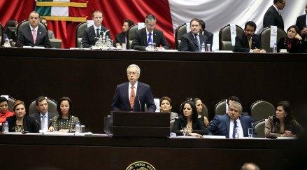 Bartlett durante la discusión en San Lázaro. Foto: Benjamin Flores