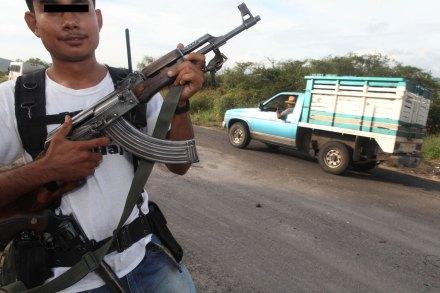 Un elemento de la autodefensa en Tepalcatepec. Foto: Benjamin Flores