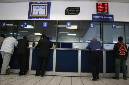 Ventanillas del Sistema de Administracin Tributaria (SAT). Foto: Alejandro Saldívar