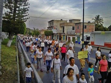 Habitantes de Miacatlán, Morelos, exigen la libertad de Tamayo. Foto: Oswald Alonso