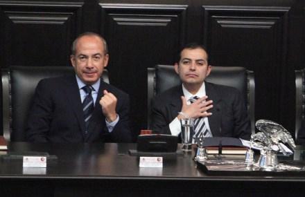 Calderón y Cordero durante una ceremonia en el Senado. Foto: Benjamin Flores