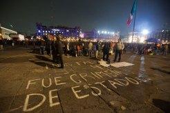 La refriega en el Zócalo después de una marcha pacífica