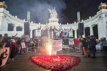 La marcha llegó al Hemiciclo a Juárez. Foto: Octavio Gómez