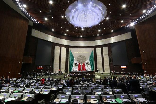 Sesión en San Lázaro. Foto: Hugo Cruz
