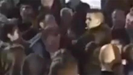 La agresión a Rajoy en el centro de Pontevedra, Galicia. Foto: Diario de Pontevedra