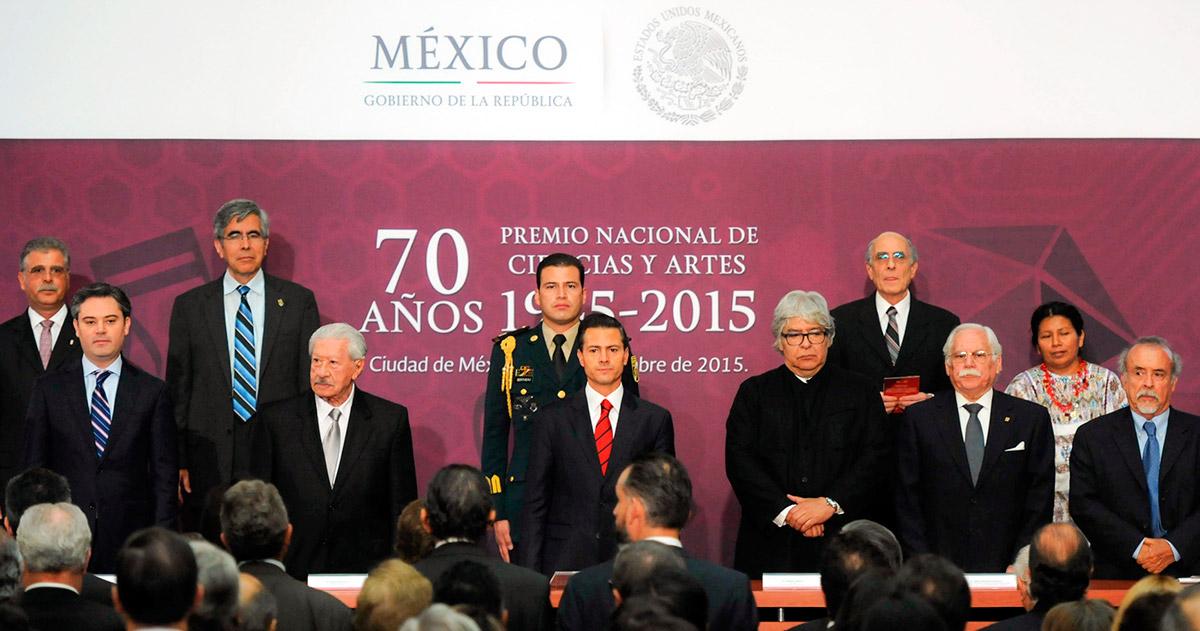 Peña durante la entrega del Premio Nacional de Ciencias y Artes 2015. Foto: Presidencia