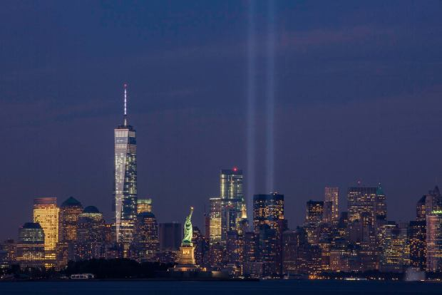 september_11th_tribute_in_light_from_bayonne_new_jersey-1