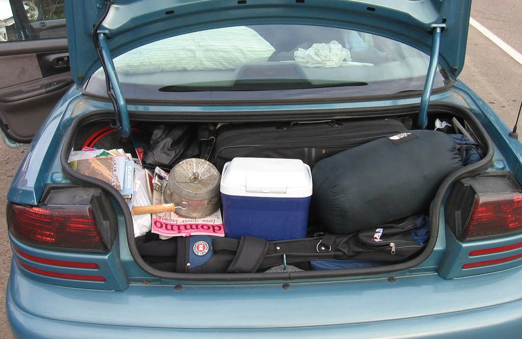An unnecessarily full trunk adds extra weight to your car. Photo by Tyler Tate / Flickr / CC BY 2.0