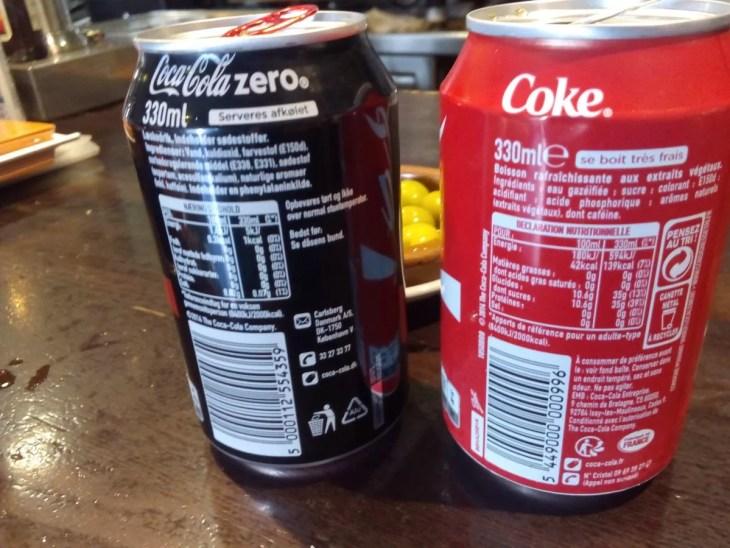 latas de bebidas refrescos de cola