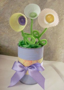 Mother's day flowers and vase with cupcake liners craft